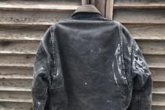 Способы и методы, чем следует выводить краску с куртки из кожи, болоньи и других тканей
