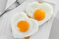 Спросим у повара: сколько хранятся жареные яйца?