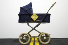 Советы и рекомендации, как постирать детскую коляску в домашних условиях