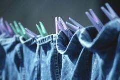 Оригинальные и эффективные способы, как быстро и правильно высушить джинсы после стирки