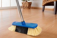 Сухая уборка: что это такое, чем отличается от влажной, как выполняется?
