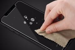 Маленькие хитрости, как убрать воздух из-под защитного стекла смартфона, телефона