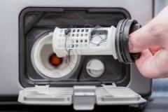 Подробная инструкция по чистке сливного фильтра стиральной машины Индезит