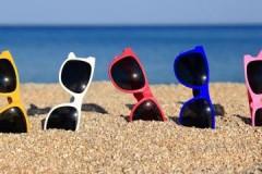 Дельные рекомендации, как в домашних условиях убрать царапины с солнцезащитных очков