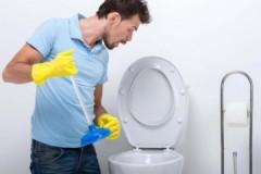Проверенные методы, как самостоятельно прочистить засор в унитазе в домашних условиях