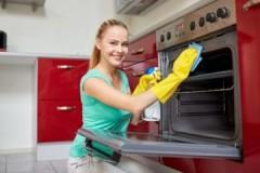 Хозяйкам на заметку: как легко и эффективно очистить духовку в газовой плите
