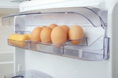 Правила безопасности, или сколько дней хранятся яйца в холодильнике