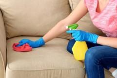 Секреты опытных хозяек: как очистить диван от различного вида пятен в домашних условиях