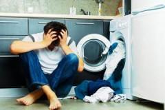 По какой причине стиральная машина Индезит не включается, как это исправить?