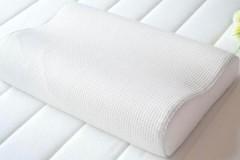 Стоит ли и как правильно стирать ортопедическую подушку вручную и в машинке?