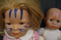Секреты опытных мам: чем можно оттереть ручку с куклы?
