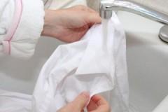 Пошаговое руководство, как постирать белую, черную, цветную рубашку вручную