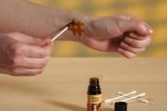 Эффективные и безопасные средства, как убрать йод с кожи