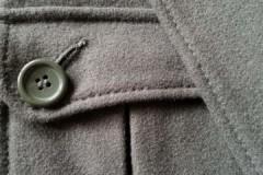 Как правильно постирать драповое пальто в стиральной машине-автомат и вручную?