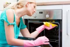 Эффективные средства, чем очистить нагар в духовке в домашних условиях