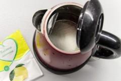 Эффективные способы, как убрать накипь в чайнике лимонной кислотой