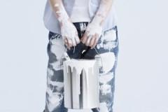 Основные правила, как и чем убрать краску со штанов и не испортить их