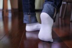 Действенные лайфхаки, как легко и быстро отстирать белые носки в домашних условиях