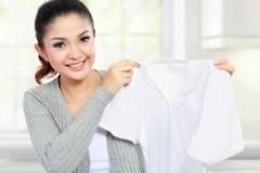 Ценные рекомендации, как необходимо стирать белые футболки в машинке и руками