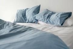 Вопросы здоровья и гигиены: как часто необходимо стирать постельное белье взрослому и ребенку?