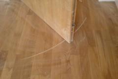 Проверенные способы, как в домашних условиях убрать царапины с ламината