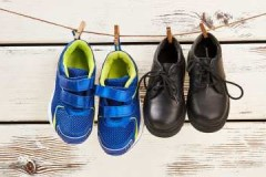 Несколько проверенных способов, как быстро высушить обувь после стирки или дождя