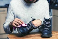Исправляем огрехи ремонта, или как убрать клей с обуви