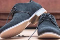 Особые условия ухода, или как постирать замшевую обувь в машинке и руками