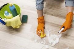 Как правильно мыть пол в доме и убрать с него различные загрязнения?