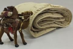 Важные правила, как стирать одеяло из верблюжьей шерсти в стиральной машине и вручную